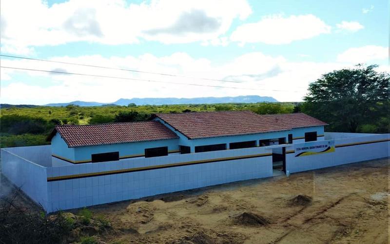 Prefeitura de Flores contempla comunidade rural com investimentos em unidade escolar
