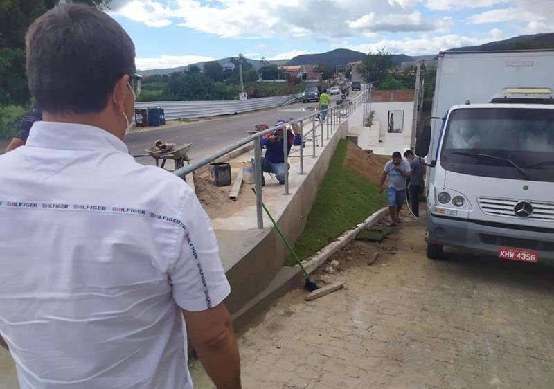 Prefeitura de Flores entrega requalificação de rodovia, nesta quinta (09)