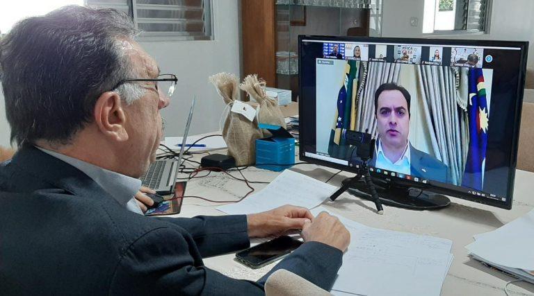 """Secretário de Educação de Pernambuco defende """"retomar com as aulas"""""""