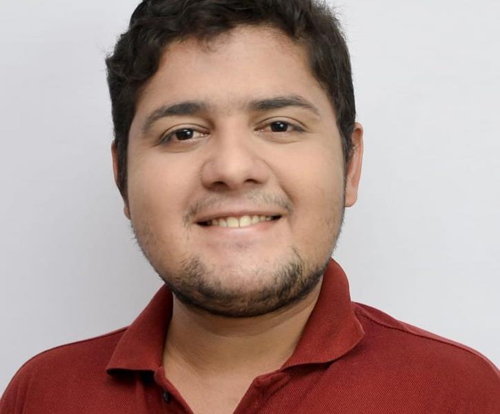 Amigos pedem ajuda na internet para encontrar jovem florense desaparecido