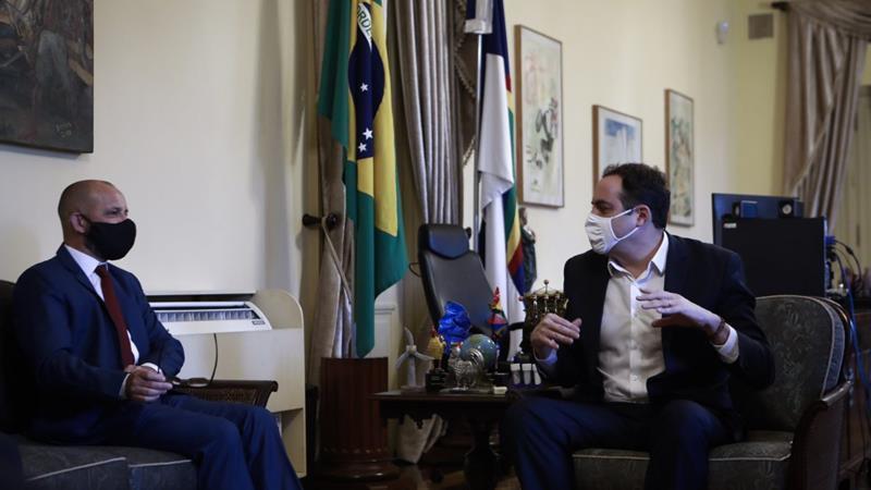Paulo Câmara comemora investimento de R$ 70 milhões em indústria de papel