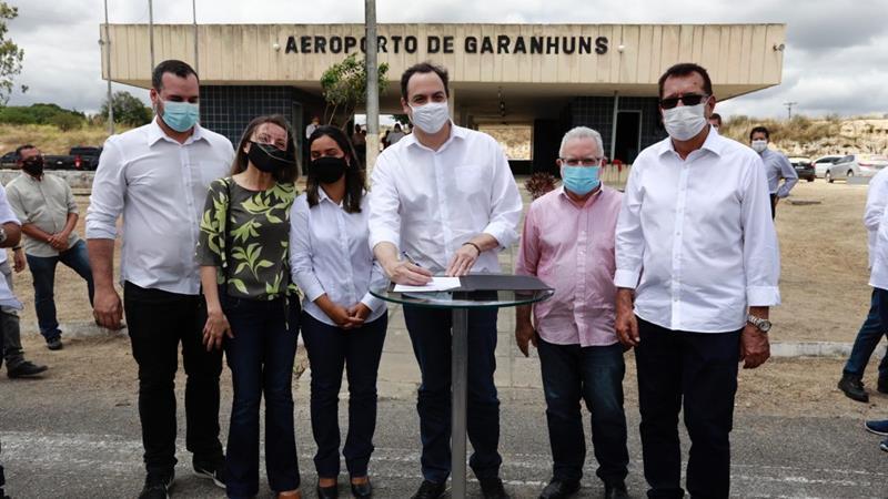 Paulo Câmara autoriza requalificação do Aeroporto de Garanhuns