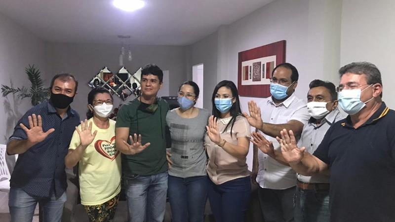 Márcia Conrado (PT) ganha adesão de empresário e 'Vandinho da Saúde' comemora