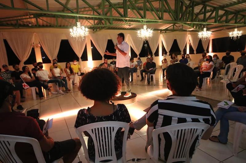 Marconi Santana (PSB) participa de reunião com jovens empreendedores