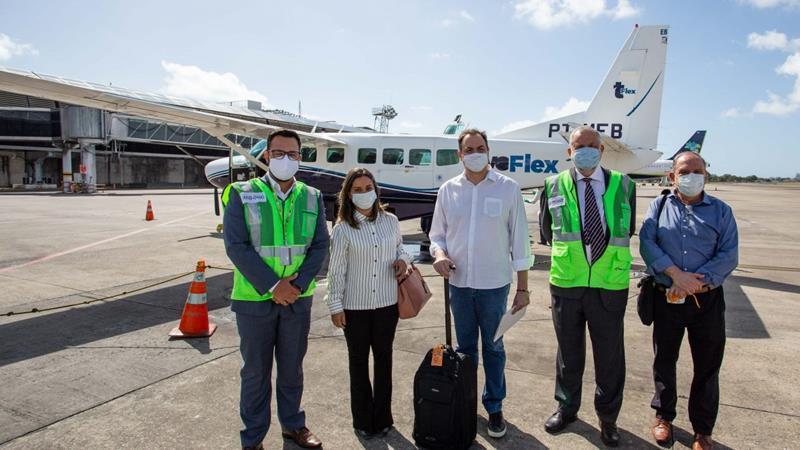 Paulo Câmara participa de voo inaugural da Azul entre Recife e Serra Talhada,