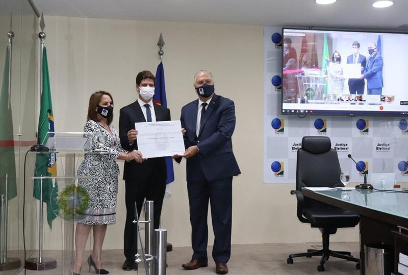 Prefeito eleito João Campos (PSB) foi diplomado nesta sexta-feira (18)