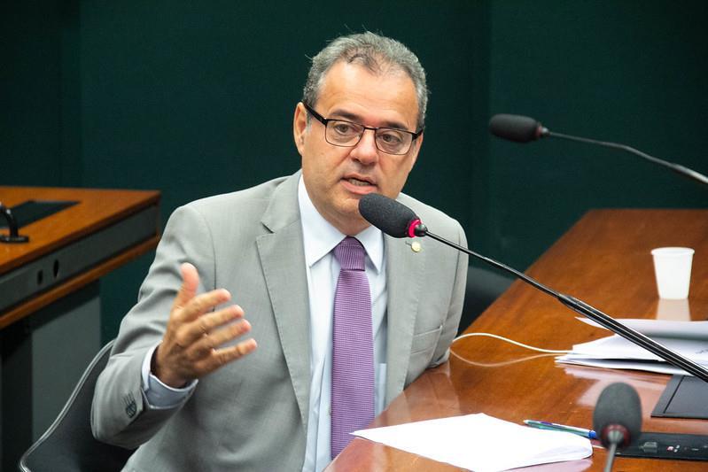 Danilo Cabral assume liderança do PSB na Câmara