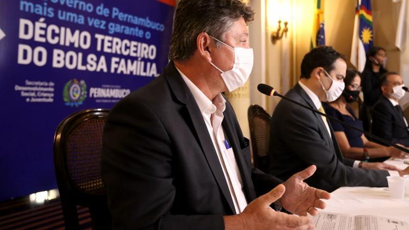 Paulo Câmara anuncia calendário de pagamento do 13º do Bolsa Família de Pernambuco
