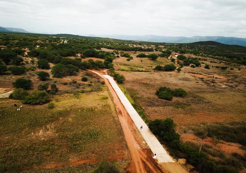 Governo de Flores oficializa entrega de passagem molhada com 170 metros de extensão