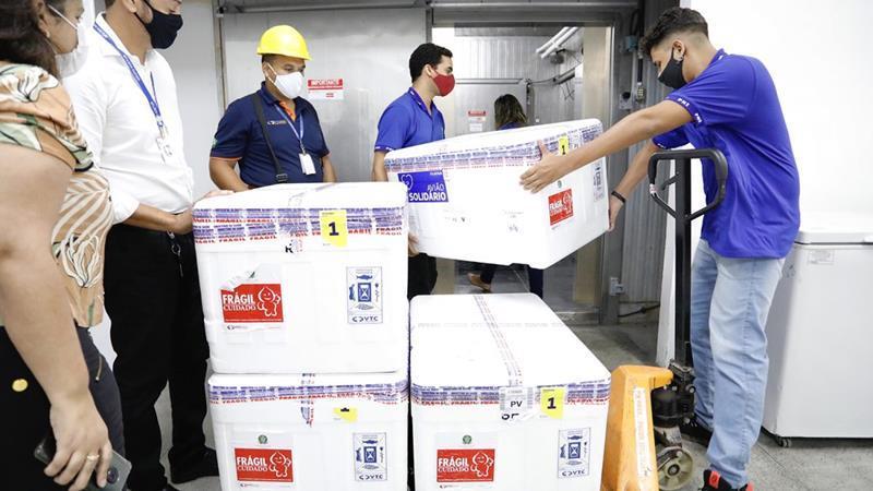 Nova remessa com 187 mil doses de vacina contra Covid-19 chega a Pernambuco