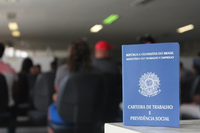Emprego: confira 196 vagas ofertadas em 15 municípios de Pernambuco nesta terça