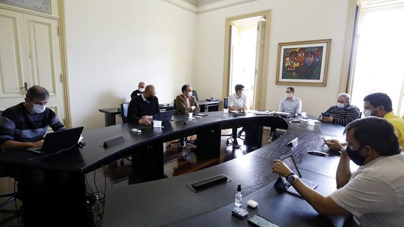 Paulo Câmara negocia com laboratório compra da vacina Sputnik V