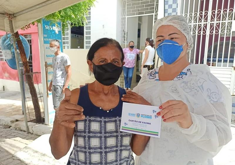 Em Flores, 10% da população já foi vacinada contra a Covid-19