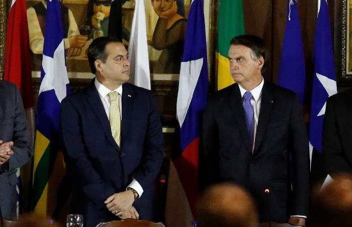 Paulo Câmara rebate Bolsonaro após críticas a gestão de verbas públicas para a pandemia