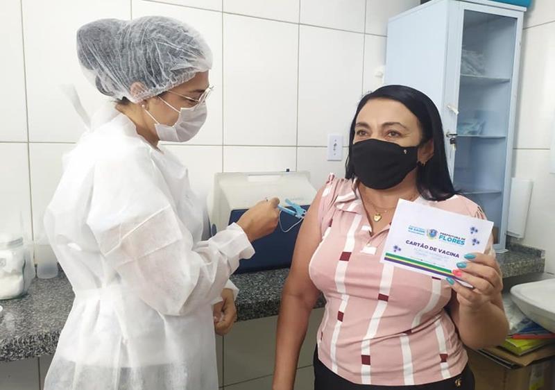 Flores inicia vacinação de pessoas com 45 a 48 anos nesta sexta (11)