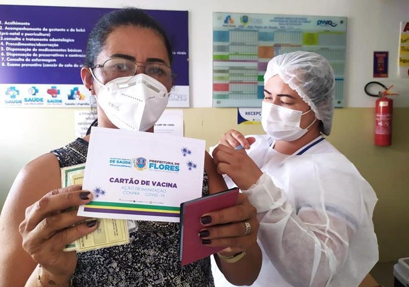 COVID-19: Flores abre vacinação para pessoas de 38 anos neste sábado (19)