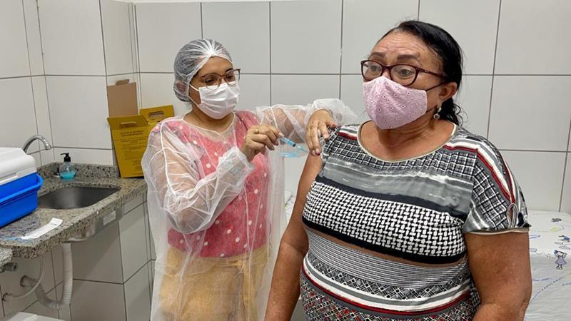 Serra Talhada aplica 100% das doses contra Covid-19