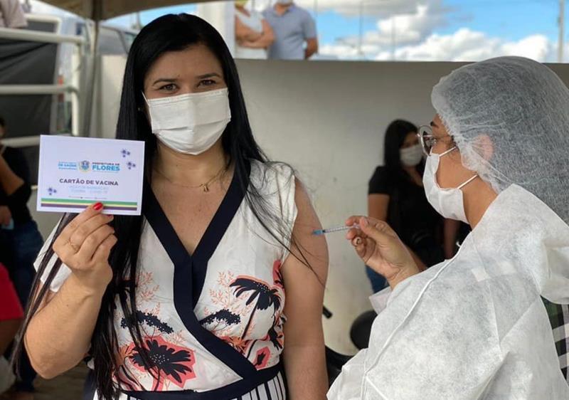 100%: Flores lidera ranking dos municípios que mais aplicaram doses do total de vacinas distribuídas em Pernambuco