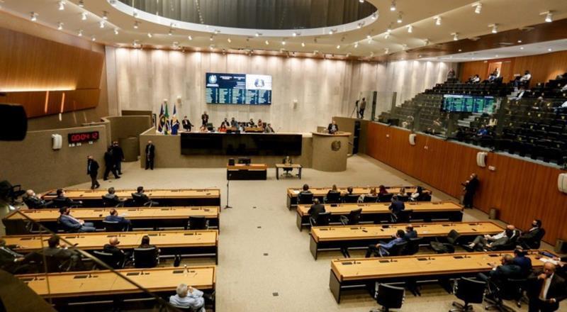 Deputados de Pernambuco discutem a exigência de comprovante de vacina em locais públicos