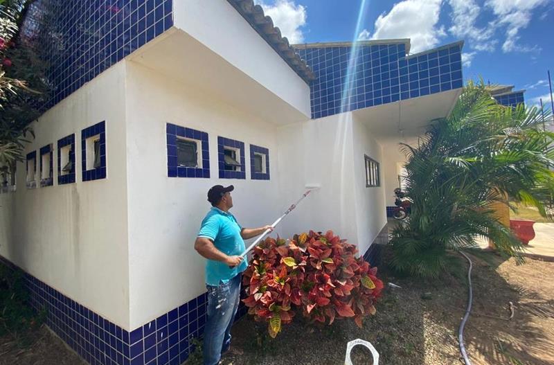 Prefeitura de Serra Talhada investe em melhorias de 41 escolas e creches